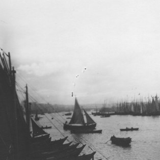"""""""Up the Golden Horn, to show multitude of sailing craft."""" KS043.10."""